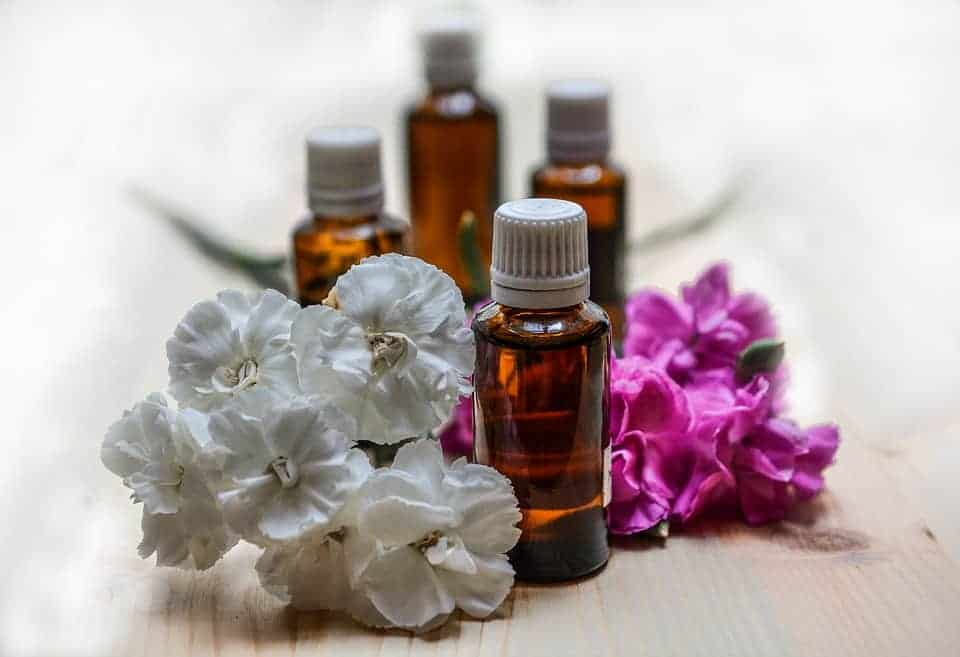 Using Essential Oils To Help Your Hives