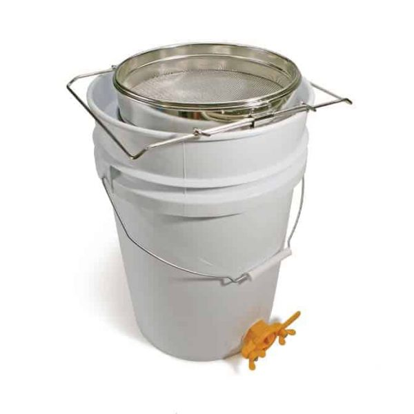 Stainlness Sieve and 6 Gallon Tank